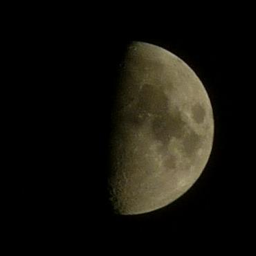 2011 03 20 Lune Champigny
